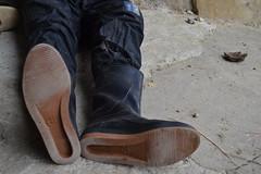 219 -- Wellworn Wellies from 1970 -- Rubberboots -- Gummistiefel -- Regenlaarzen (HeveaFan) Tags: rubberboots rubberlaazen 在泥里的靴子橡胶 kaplaarzen ゴム長靴 gummistiefel 威灵顿长靴 stiefel stivali stövlar ブーツ dunlop hevea aigle ripped wornout rainboots regenlaarzen wellies bottes wellworn caoutchouc galoshes wreckled trashed regenstiefel waterlaarzen soles tuinlaarzen loch leaky damaged trouée undicht versleten laarzen wellington kaput mud boue fertig riss gomma trou abgelatscht kaputt lek gumboots boots bottas vredesteinlaarzen vredesteinwellies vredesteinstiefel