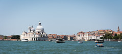 Venezia, Italy (Bela Lindtner) Tags: lindtnerbéla belalindtner nikon d7100 nikond7100 nikkor 18105 nikkor18105 nikon18105 velence venezia venice italy olaszország sea buildings building architecture outdoor unescoworldheritagesites