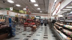 View across the grand aisle towards the back of the store, from the deli (Retail Retell) Tags: oakland tn kroger millennium décor era store mirror image twin doppelganger reversed carbon copy former hernando ms fayette county retail 2018 remodel fresh local neighborhood flair historical images captions