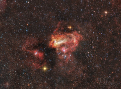 Omega Nebula - Messier 17 (Delberson Tiago) Tags: astronomy astrophotography astrofoto astrofotografia astronomia astrophoto amateur universe universo stars sky starfield cosmos nasa deepsky ceuprofundo nebulae night nightsky nebulosa astrometrydotnet:id=nova2713976 astrometrydotnet:status=solved