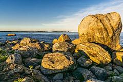 Rocky Tooth Formation (Alan Charles) Tags: ct connecticutshore hammonassetbeachstatepark hammonassetstateparkmeigspoint meigspoint seascape beach lateafternoon ocean rockyshoreshore sea shore