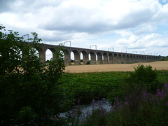 Almond Viaduct on the Edinburgh & Glasgow Railway just west of Edinburgh. (calderwoodroy) Tags: 1842 northbritishrailway edinburghglasgowrailway almondvalley rathoviaduct electricrailway ole riveralmond networkrail railwayviaduct newbridge westlothian edinburgh newbridgeviaduct almondviaduct viaduct railwayinfrastructure infrastructure