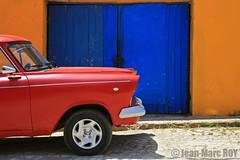 Cuba - Trinidad (jmroyphoto) Tags: bleu cuba jaune jmroyphoto porte rouge rue street trinidad voiture