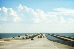 Driving on the water (erichudson78) Tags: usa louisiana lakeponchartrain lake lac pont bridge canoneos5d canonef24105mmf4lisusm horizon eau water route road ciel sky nuage cloud