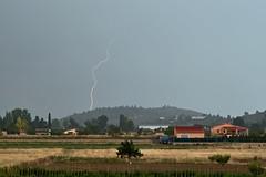 Spotting storms from my window (dmartimarti) Tags: rayo ayora tormenta verano