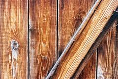 patina (mkk707) Tags: film analog wwwmeinfilmlabde leicam3 leitzsummicronmi5cmcollapsible 35mmfilm vintagelens vintagefilmcamera rangefinder wood brown patina kodakportra400 itsaleica