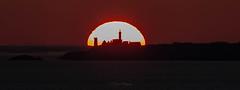 sunset (khan.Nirrep.Photo) Tags: sunset seascape sea soleil sun finistère tamronsp150600mm bretagne breizh lighthouse flickrunitedaward