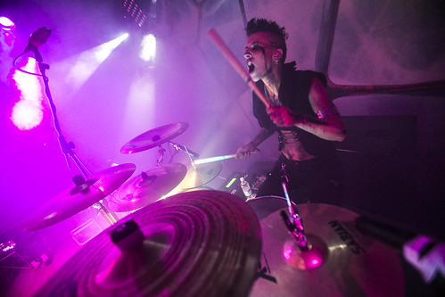 Elisa Montin #helly ⚡ #batterista 💀#drums #havymetal #metal #hardrock 🎥#elettritv💻📲#rock #drummer 🎶 #girs #cattivetordeath 👹 #annunaki #killingbaudelaire #musica #concerti #sottosuolo #live :rais