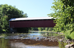 Des Rivières Covered Bridge (pegase1972) Tags: coveredbridge bridge pont québec quebec qc canada water rivière river montérégie monteregie