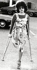 h5341-b100ft18  - The Platform shoe girl (jackcast2015) Tags: handicapped disabled disabledwoman cripledwoman onelegwoman oneleggedwoman monopede amputee legamputee crutches crippledwoman 1970s 1970sfashion