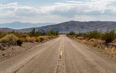 Box Canyon Road (Torsten Reimer) Tags: büsche california usa landscape road landschaft northamerica strase himmel hügel sky unitedstatesofamerica hills shrubs wolken clouds unitedstates us