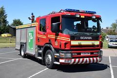 Humberside - YJ54EHW - Market Weighton - WrL (matthewleggott) Tags: humberside fire rescue service engine appliance scania emergency one market weighton yj54ehw