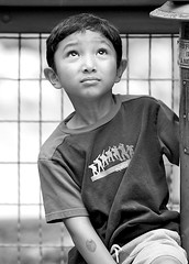 What's Up? Again (Don Baird) Tags: boy blackandwhite zoo candid streetshot 29words top20bokeh bokehsoniceaugust bokehsoniceaugust03