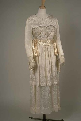 Wedding dress, 1920