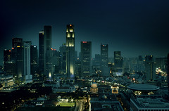 raffles city (hleewell) Tags: topf25 iso100 interestingness topf50 singapore 24mm canonefs1855mm rafflescity canon30d interestingness98 i500 top20flickrskylines newphotographer abigfave i500aug242006