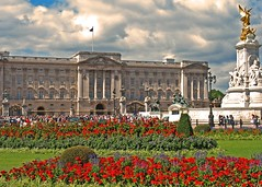 Postcard from the Queen (bekahpaige) Tags: uk greatbritain england london tourism tag3 taggedout europe king tag2 tag1 unitedkingdom britain palace tourist queen buckinghampalace buckingham royalty palaces blueribbonwinner godsavethequeen 10faves wherethequeenofenglandlives aplusphoto dopplr:explore=9j41
