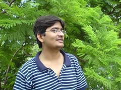 Smiling Professor (Engineer J) Tags: pakistan green all k750i pic junaid m teacher lahore sama rashid abrar satta uet engr