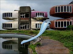 an abandoned resort in Sanchih, northern Taiwan. (avant1997) Tags: taiwan