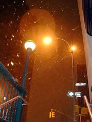 Saliendo del metro en la Octava con Broadway, por Amber Rhea