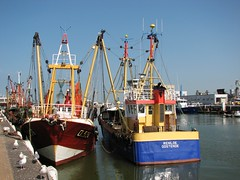 Renilde (Morgaine) Tags: geotagged boat seaside belgium harbour belgi oostende fisherboat mlf canonpowershots3is geo:lat=51232029 geo:long=2922771