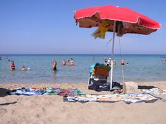 L'ombrellone rosso (fborri71) Tags: sea mare gallipoli spiaggia lecce ombrellone