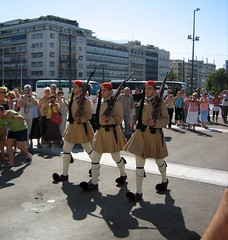 Evzones / Syntagma / Athens / Tsolias / T () Tags: vacation holiday man soldier uniform kilt military guard athens greece grecia soldiers guards griechenland rtw grce unknownsoldier vacanze soldaten roundtheworld sentry globetrotter syntagma tsolias syntagmasquare militaryuniform  atene constitutionsquare   evzone evzones worldtraveler presidentialguard  evzon evzoni tsoliades evzons  fustanella       greekroyalguard helleniccivilization