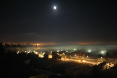Vue de mon appart. (@rno) Tags: france art photo interesting orleans appart nuit vue brouillard brume photograpy pleinelune interessare rno mouillere roseraies elinteresar interessieren 興味を起こさせること interessar