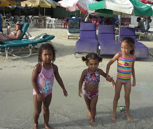 Bathing Beauties, Republica Dominica