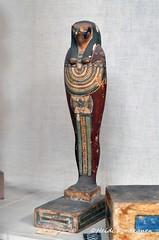 Qebehsenuef (konde) Tags: sonsofhorus qebehsenuef ancient deities art wood cairomuseum hieroglyphs