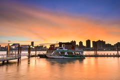 灼灼夕彩(DSC_6906) (nans0410(busy)) Tags: taiwan taipei dadaocheng warf dock port sunset sky scenery outdoors boat cloud firecloud burningcloud 台灣 台北市 鹽埕區 大稻埕碼頭 夕陽