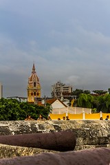 Cartagena - Colombia (valentinaav7) Tags: cartagena colombia yellow paisaje architecture arquitectura cielo sky lindo canyon