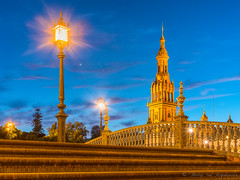 Place d'Espagne ( Séville ) (vanregemoorter) Tags: spain plaza place church espagne bridge pont light bluehour night ville city cityscape