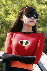 Violet (The Incredibles) 2 (greyloch) Tags: dccosplays cosplay costume 2018 moviecharactercostume moviecharacter pixar disney theincredibles violet animatedcharacter animatedcharactercostume