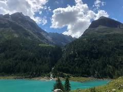 Aosta A026. (Joanbrebo) Tags: paisatge paisaje landscape clouds nuages nubes nuvols naturaleza natura nature montagne mountains muntanya montaña lake lac llac lago iphone365 iphonex italia valled'aosta lagodiplacemoulin