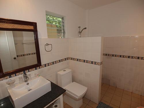 Alona-Vida-Deluxe-Room-New-Extension-Bathroom