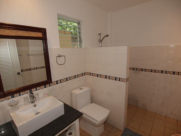 Alona-Vida-Deluxe-Room-New-Extension-Bathroom