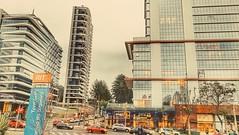 City of glass. (andreriekes) Tags: curitiba glass building predio moderno barigui carros biarticulado