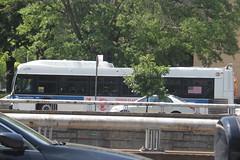 IMG_0101 (GojiMet86) Tags: mta nyc new york city bus buses 2015 xd40 7375 q20b main manton street