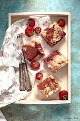 Strawberry Coffee Cake (Stefania Casali) Tags: food slice homemade gourmet nopeople dessert cake sweetfood baked snack plate freshness closeup foodanddrink studioshot red meal pastry meat fruit