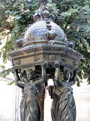 Caryatids, Wallace Fountain, Place Georges de Porto-Riche, Bordeaux, France (Paul McClure DC) Tags: bordeaux france gironde nouvelleaquitaine july2017 historic architecture sculpture
