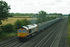66 723 (Dorde Vranjes) Tags: gbrf class 66 723 runs past cossington bridge 08 august 2018 with 6e89 0916½ wellingborough up tc rylstone tilcon working rail railway train transport freight photography pentax kx railways rails railenthusiast diesel enthusiast locomotive trainspotter trainspotting trainloggercouk locoscenecouk trains trainlogger flickr spotter