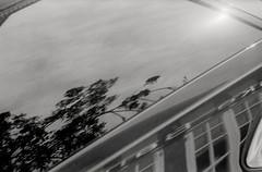 Sommerhimmel spejlet i en moderne Folkevogns bagrude. (mgfoto2011) Tags: leicaiiia1939 leitzelmar5cmf35 expiredfilm kodakplusx selfdeveloped xtol11 minoltascandualiv kerteminde