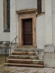 Around St Wolfgang-M7064497 (tony.rummery) Tags: austria doorway epm1 mft microfourthirds olympus pen stwolfgang steps village sanktwolfgangimsalzkammergut oberösterreich at