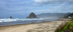 cannon beach, oregon (wNG555) Tags: 2014 oregon coast cannonbeach haystackrock fav25 fav50