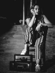 IMG_1847-2 (photo.bymau) Tags: bymau canon 5d outdoor exterieur natural light portraiture portrait face nice girl shooting 7d beautiful fashion follow cute fun beauty studio model modele color close visage expression yeux eye regard amateur retrato ritratto porträt noir blanc blanco negro schwarz bw nb black white monochrome