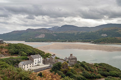 Houses with a View (Howie Mudge LRPS BPE1*) Tags: houses landscape nature ngc travel barmouth gwynedd wales cymru uk sony sonya6300 sonyilce6000 sony18135mm sonyalpha sonyalphagang sonylove flickrtravelaward