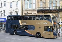 SO 15934 @ Magdalen Street, Oxford (ianjpoole) Tags: stagecoach oxfordshire scania n230ud alexander dennis enviro 400 yn63byl 15934 working gold route s5 magdalen street oxford station road launton