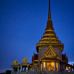 The spire of Wat Trai Mit (The Golden Buddha Temple) in Bangkok's Chinatown thumbnail