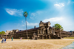 Angkor Wat Cambodia-73a (Yasu Torigoe) Tags: sony a99ii a99m2 sonyilca99m2 camboya cambodia angkor siem templo temple khmer architecture ancient ruins stonework siemreap history histoire building carving art surreal sculpture structure travel archeology thebestshot flickr best nature landscape banyan trees tree outdoor