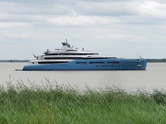 Yacht Aviva (Daniel Biays) Tags: yacht bateau boat aviva lagironde pauillac